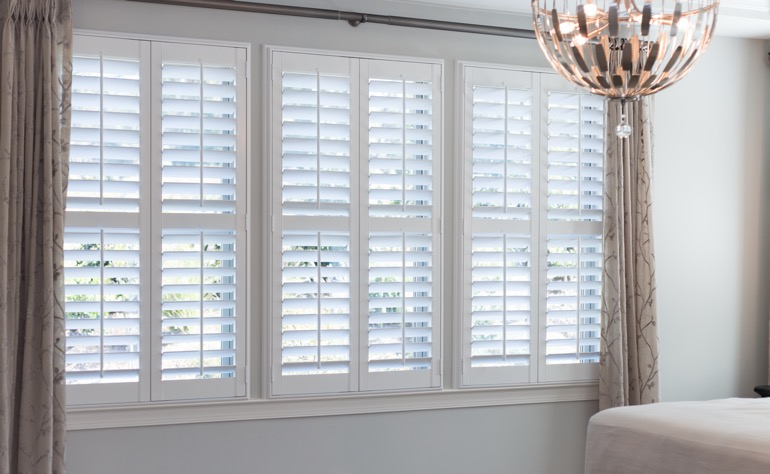 New York City plantation shutters guest room